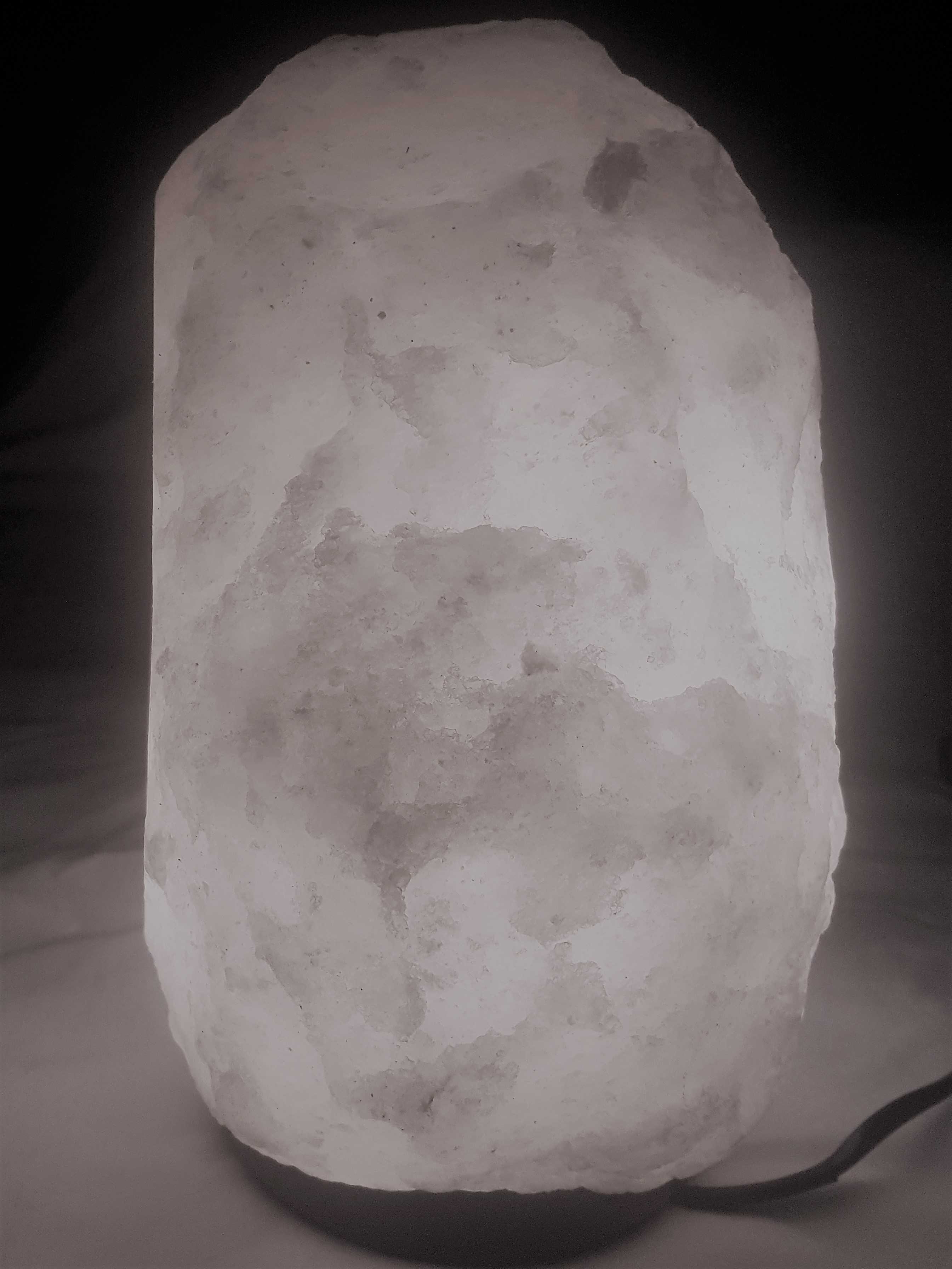 4-6kg White Salt Lamps - Rosewood Base with 7watt Cable and Glob